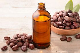Olej jojoba i jego cudowne właściwości. Jak wykorzystać go w pielęgnacji