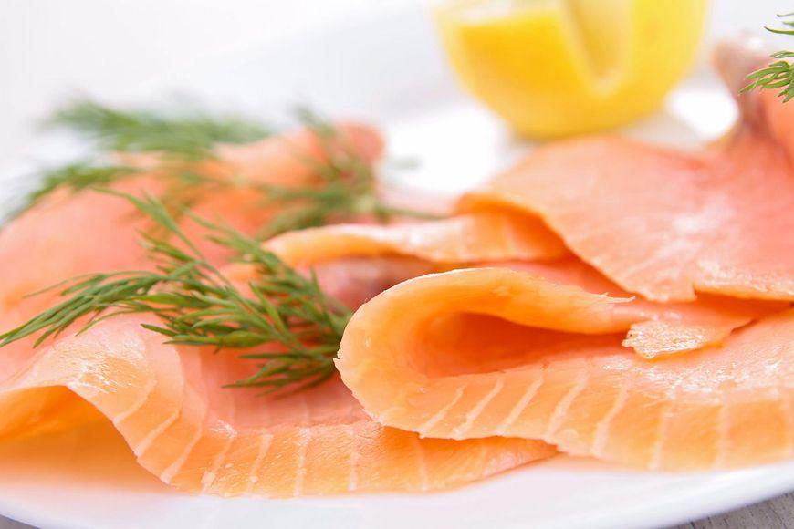 Dziki łosoś to znacznie bogatsze źródło składników mineralnych, takich jak wapń, żelazo, potas, sodu pochodzącego z soli morskiej oraz cynku.