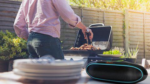 Głośniki Bluetooth na majówkowego grilla – wybraliśmy 7 najlepszych