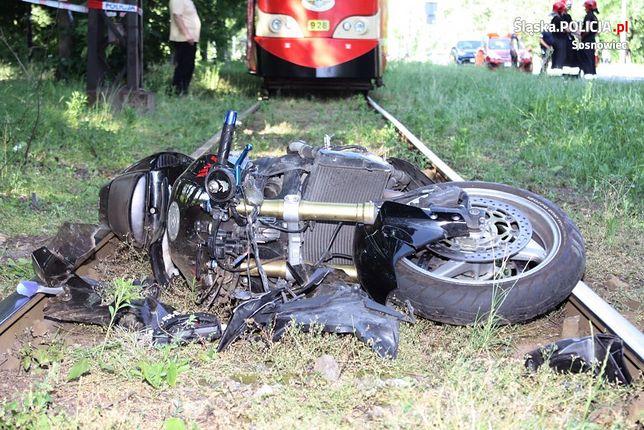 Motocyklista potrącił kobietę w Sosnowcu. Matka uratowała dzieciom życie