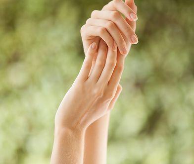 Gładkie jak aksamit ręce są atrybutem zadbanej kobiety.
