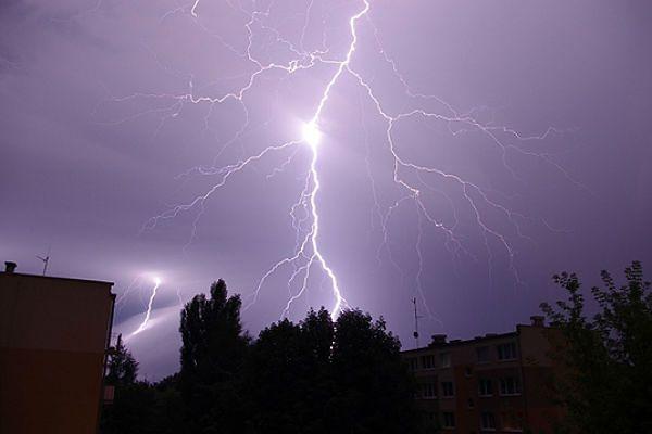 25 tys. odbiorców bez prądu po nocnych burzach w Wielkopolsce