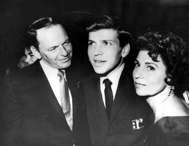Frank Sinatra, Frank Sinatra Jr, Nancy Sinatra w 1963 roku