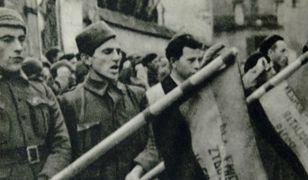 Dąbrowszczacy przysięgają wierność sprawie Republiki, 1939 r.
