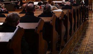 Koronawirus w Kościele. Zakażonych 14 biskupów, jeden zmarł