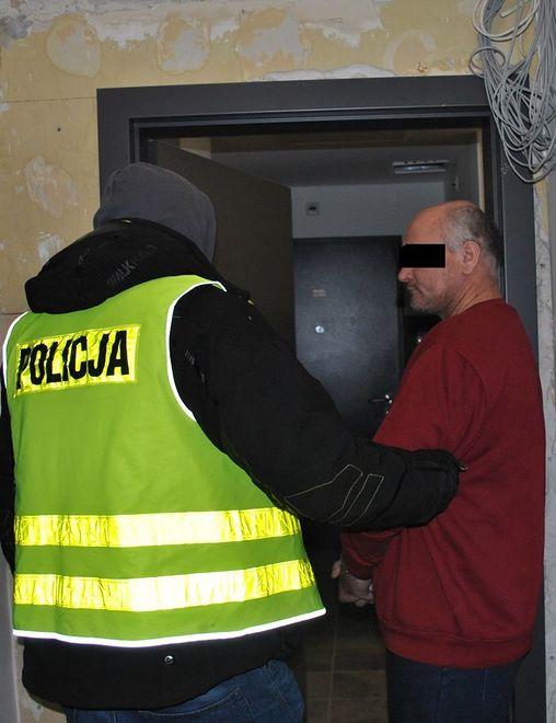 Lublin. Sąd wydał wyrok ws. mężczyzny, który zaatakował matkę siekierą