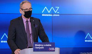 Koronawirus w Polsce. Konferencja ministra zdrowia. Nowe obostrzenia od soboty? [NA ŻYWO]