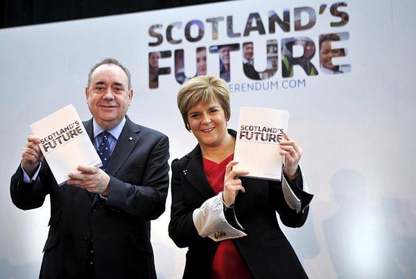 Szkocki pierwszy minister Alex Salmond i jego zastępczyni Nicola Sturgeon