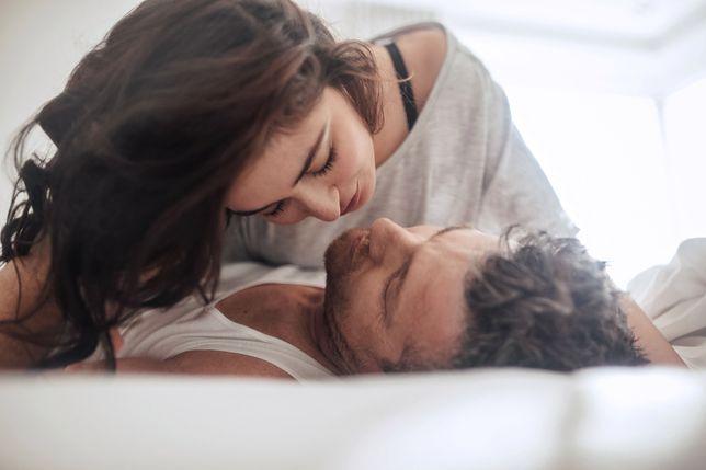 Mężczyźni z mikropenisem mogą cieszyć się seksem.