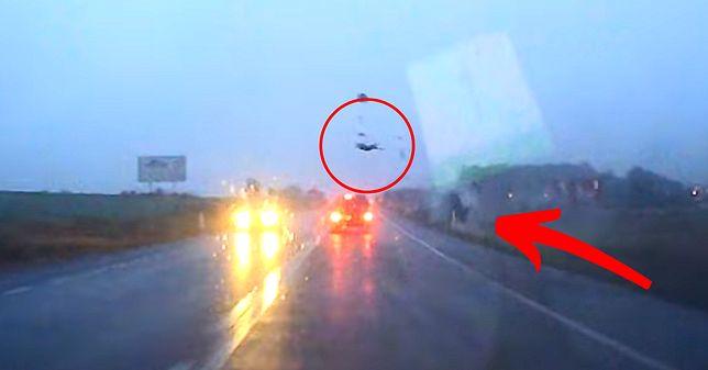 Jerzmanowa. Wypadek na drodze 329, młody kierowca walczy o życie