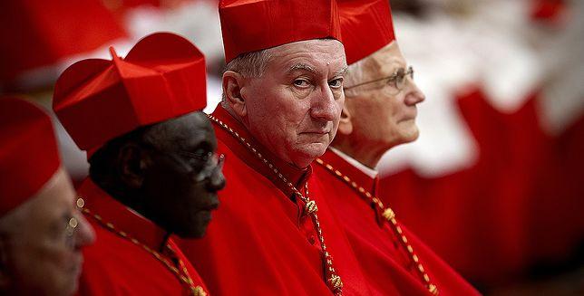"""Kardynał Pietro Parolin (drugi z prawej) jest równie postępowy co Franciszek. Mówił m.in., że """"kobieta może zostać Sekretarzem Stanu, ponieważ ta funkcja nie jest związana z kapłaństwem"""""""