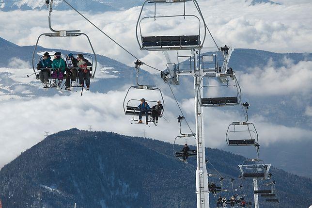 Tysiące turystów utknęło w alpejskich ośrodkach narciarskich. Sytuacja jest bardzo poważna