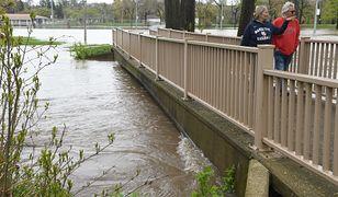 USA. Powódź w stanie Michigan. Ewakuacja tysięcy ludzi