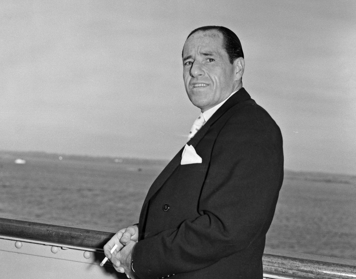 """William """"Billy"""" Hill na pokładzie wycieczkowca w 1955 r."""