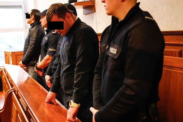 Paweł W. i Mariusz K . podczas ogłaszania wyroku w sprawie brutalnego pobicia