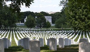 Na zdjęciu jeden z najbardziej znanych amerykańskich cmentarzy - wojskowa nekropolia w Arlington.