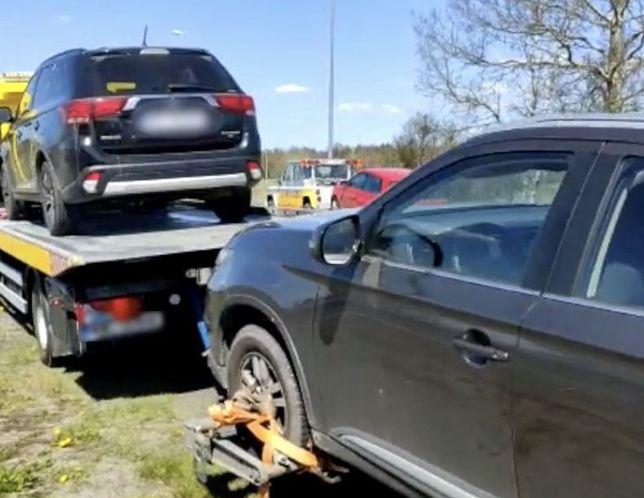 Policjanci przygotowali na moście zasadzkę. Odzyskali auta warte około 160 tys. złotych