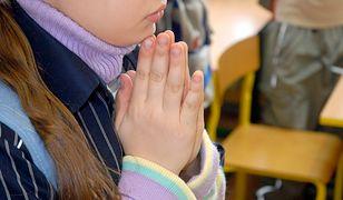"""Dwoje dzieci zostało rannych po lekcji religii. Jeden z uczniów zachowywał się """"niewłaściwie"""""""