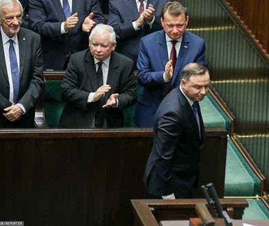 WP: Nawet 6000 zł podwyżki dla wiceministrów, wyższe pensje dla posłów. Hojny gest Andrzeja Dudy