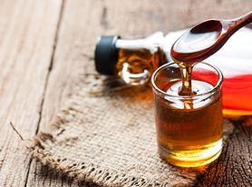 Co jest zdrowsze: miód czy syrop klonowy? (WIDEO)