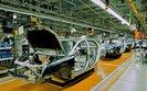Produkcja przemysłowa zaskoczyła. Problem z 12 listopada i branżą motoryzacyjną w UE