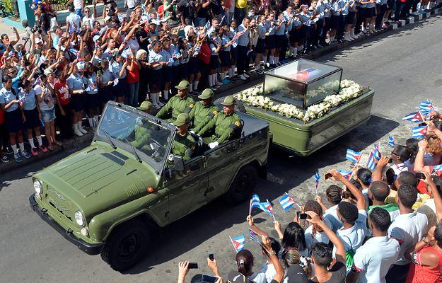 Tłumy żegnały Fidela Castro