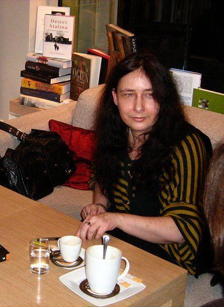 Anna Klejzerowicz: Ja również przez całe swoje życie żyłam w cieniu powstania warszawskiego
