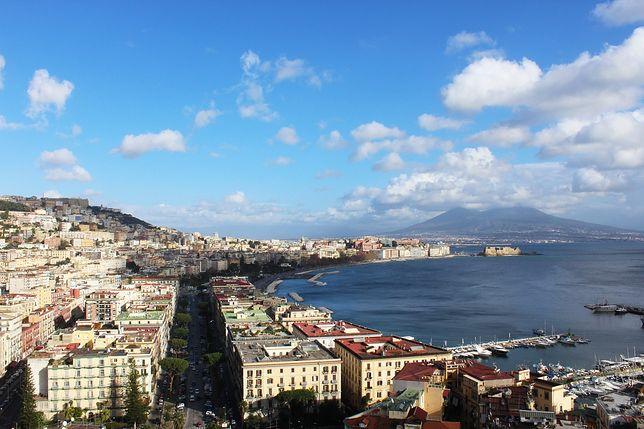 Neapol każdego roku przyciąga wielu turystów