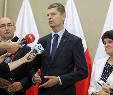 Rekrutacja do szkół. Minister edukacji Dariusz Piontkowski twierdzi, że wszyscy uczniowie znajdą miejsca w placówkach