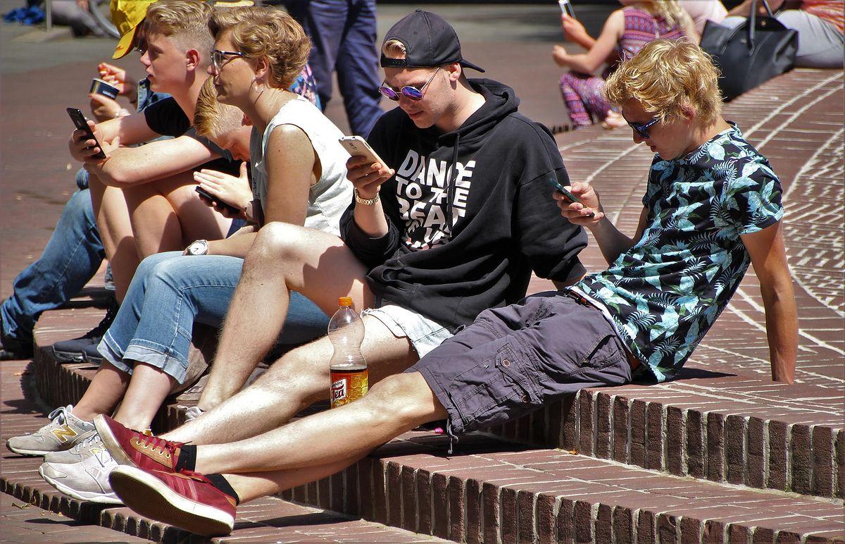 Będzie limit cen połączeń telefonicznych w ramach UE. Kolejny prezent dla obywateli po zniesieniu roamingu