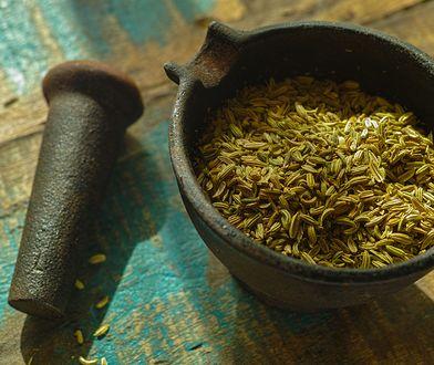 Kminek był obowiązkową przyprawą dodawaną do potraw tłustych, smażonych i ciężkostrawnych