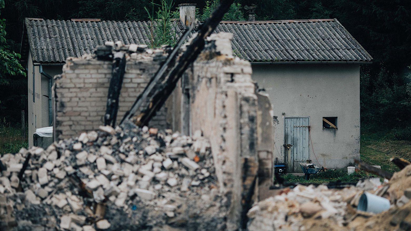 Spalony dom Tomasza T. w Gryźlinach (woj. warmińsko-mazurskie)