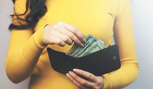 Klasyczny, czarny portfel to najbardziej uniwersalny model