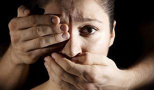 Pomaga kobietom zmuszanym do prostytucji