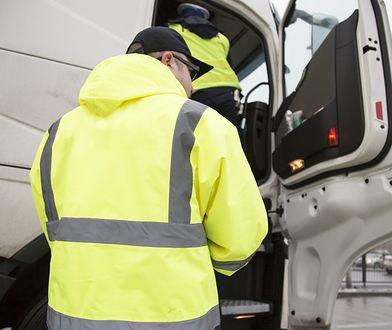 Magnes to jeden ze sposobów na oszukanie tachografu, którego zadaniem jest rejestrowanie czasu pracy kierowcy