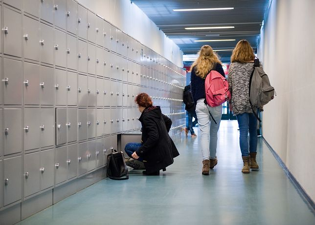 Wrocław. Zaskakujące skutki reformy edukacji. Jedna pieczątka na dwa sekretariaty