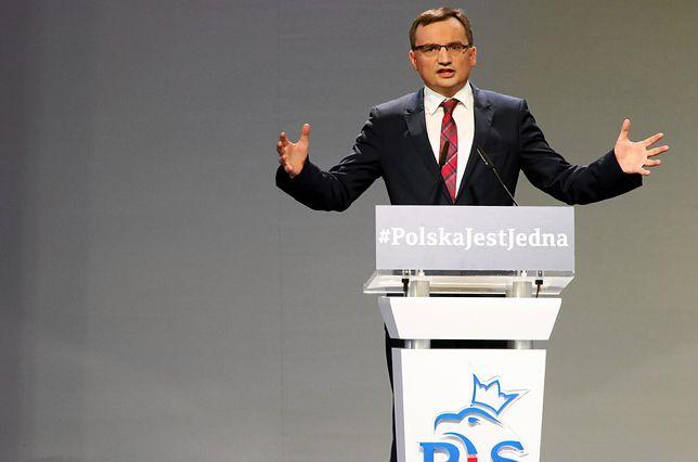 Minister sprawiedliwości Zbigniew Ziobro na kongresie Zjednoczonej Prawicy w Przysusze.