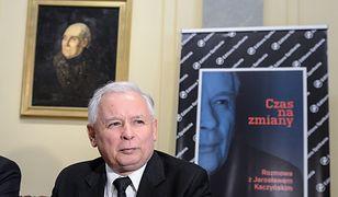"""Książka """"Czas na zmiany"""" Jarosława Kaczyńskiego została wydana w 1993 roku. 21 lat później prezes promował jej reedycję."""