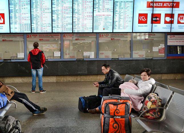 Problemy dojeżdżających do stolicy pociągami. To nawet pół miliona osób dziennie