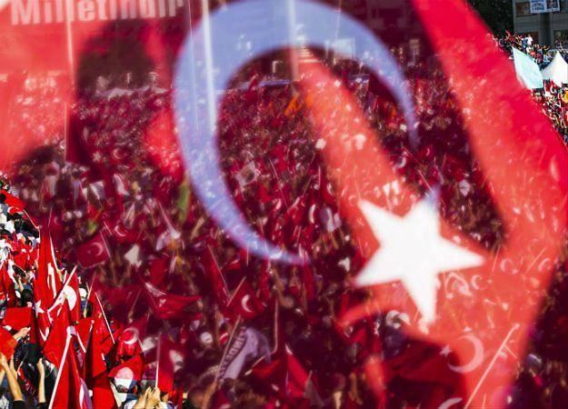 Od 16 lipca w Turcji zatrzymano już ponad 18 tys. osób, 9 677 spośród nich zostało aresztowanych