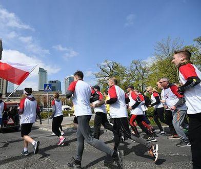 9 tysięcy osób pobiegnie dziś przez centrum stolicy. Rusza Biegnij Warszawo