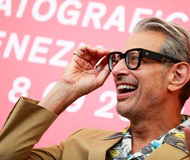 W wieku 65 lat Goldblum ma pokaźną filmografię i dorobił się pomnika