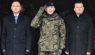 Najpierw prezydent i szef MON polecieli do Szczecina, później do Pragi