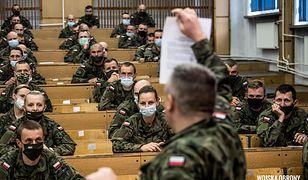 Żołnierze na wojnie z pandemią. Rząd angażuje wojsko do pomocy medykom