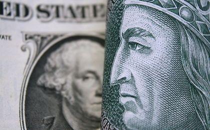 Dolar po 4 zł to bardzo mocna bariera. O dalszy wzrost kursu złotego będzie trudno