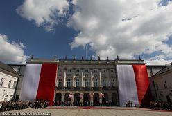 """Pomysłodawca Dnia Flagi: """"prezydent RP jako jedyny w Europie nie ma swego symbolu"""""""
