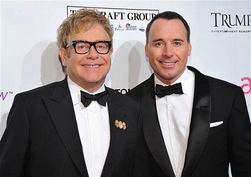 Elton John został ojcem