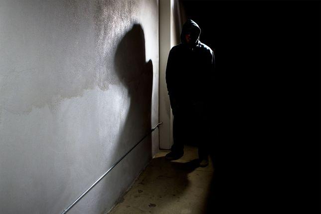 Stalker z Warszawy dostał dozór policyjny. Jego ofiary są już bezpieczne?