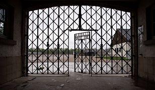 Joe Biden zarzuca muzeum KL Dachau fałszowanie historii