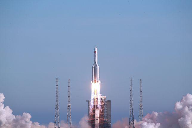 Chiny. Rakieta Długi Marsz-5B wystartowała. Na orbitę wyniosła prototyp statku kosmicznego